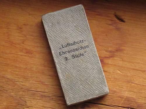 Sharing my boxed Luftschutz-Ehrenzeichen 2. Stufe