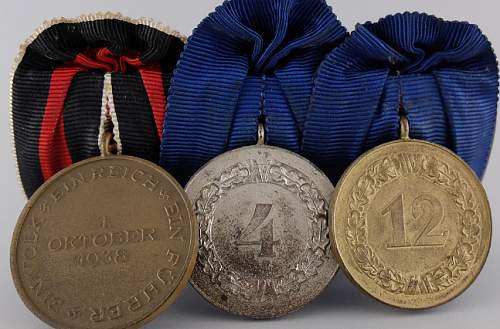 are these medal bars real or fake