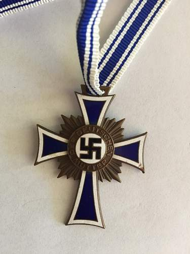 Bronze Ehrenkreuz der Deutschen Mutter Real or Fake?