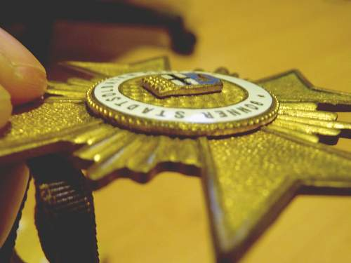 WWII German BONNER STADTSOLDATEN Medal?