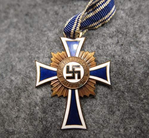 Mutterkreuz Bronze