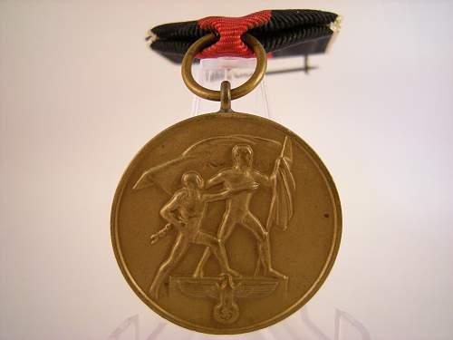 Click image for larger version.  Name:1st Oktober 1938 medal with L12 Prague spange (2).jpg Views:66 Size:326.4 KB ID:808595