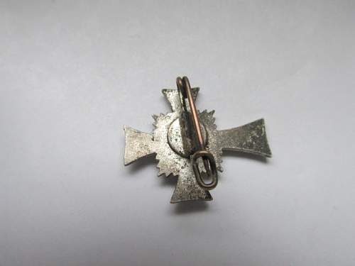 Miniature mutterkreuz silber, with pin. Real or fake?