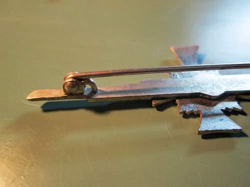new pick up ...silver broche mutterkreuz ,made by deumer
