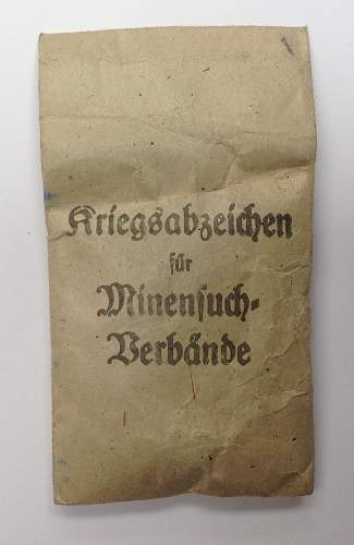 Click image for larger version.  Name:Kriegsabzeichen für Minensuch award packet.jpg Views:38 Size:148.0 KB ID:817930
