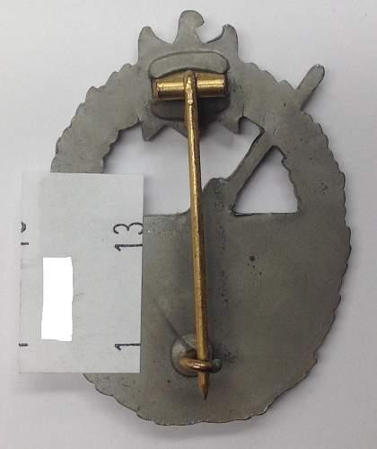 Click image for larger version.  Name:Kriegsabzeichen fur die Marine-Artillerie reverse 1.jpg Views:32 Size:120.8 KB ID:818177