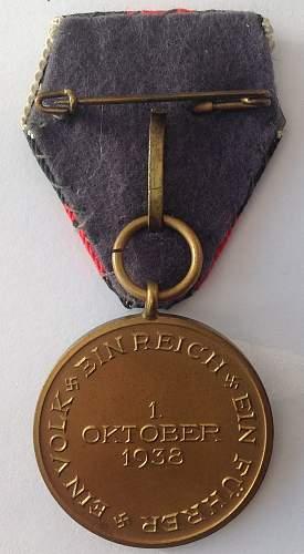 Medaille zur Erinnerung an den 1. Oktober 1938 with Austrian style trifold ribbon