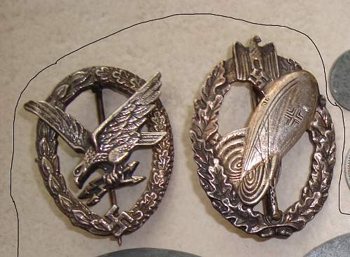 German Radio Operator and Army Balloon Badges.Is it worth attention?