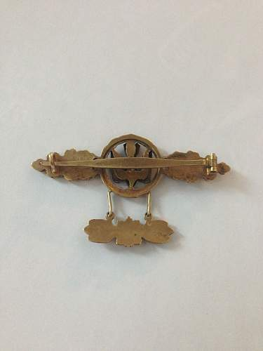 luftwaffe clasp, offered for sale. original?