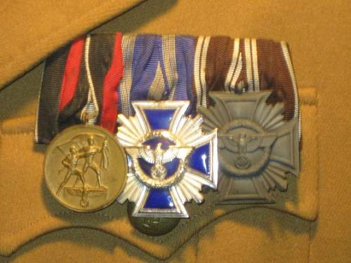 Political medal bar