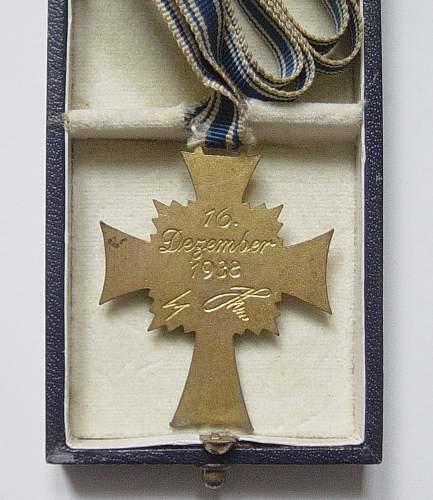 Golden Mother Cross MINT: Original????