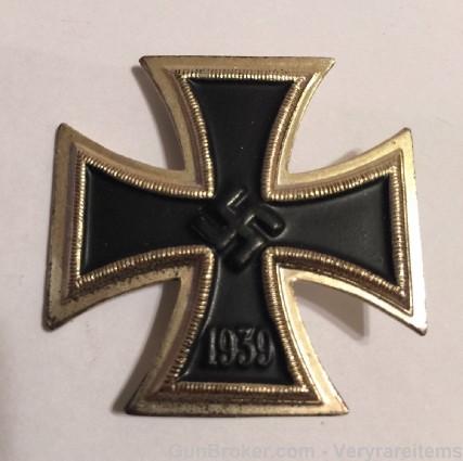 EK1 and UBoat badges