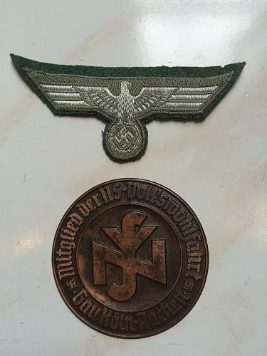 Grouping / Medals, Iron Cross, Plaque and Breast Eagle