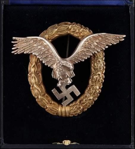 Click image for larger version.  Name:Luftwaffe Pilot Observer badge front 1.jpg Views:26 Size:94.2 KB ID:867255