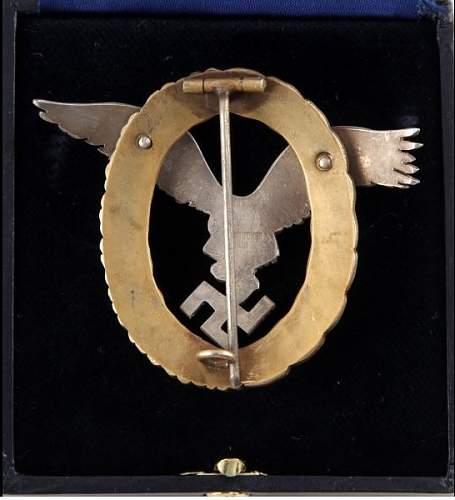 Click image for larger version.  Name:Luftwaffe Pilot Observer badge back 1.jpg Views:42 Size:81.4 KB ID:867256