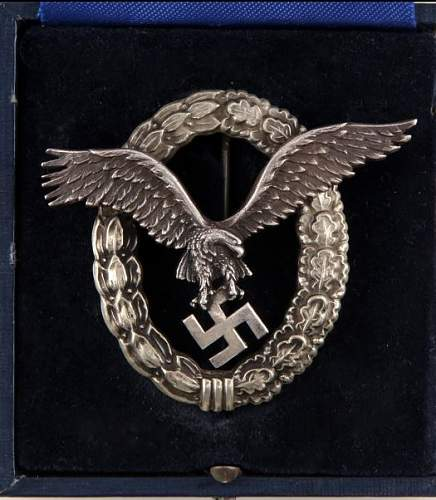 Click image for larger version.  Name:Pilot badge silver.jpg Views:16 Size:103.6 KB ID:869623