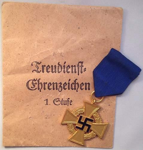 Click image for larger version.  Name:Treue Dienst Ehrenzeichen_1_01.jpg Views:31 Size:134.8 KB ID:890797