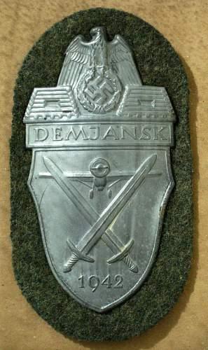 Demjansk 1942 Shield, opinions please?