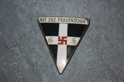 NS-Frauenschaft pin
