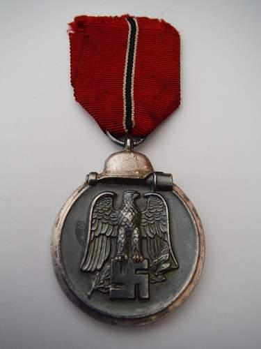 """Medaille """"Winterschlacht im Osten 1941/42"""" (Ostmedaille) Nr18 Karl Wurster"""