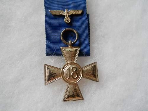 Dienstauszeichnung der Wehrmacht 2. Klasse, 18 Jahre for review