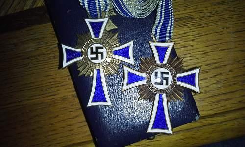Ehrenkreuz der Deutsche Mutter Erste Stufe &  Ehrenkreuz der Deutsche Mutter Dritte Stufe
