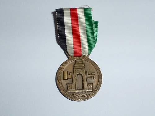 Italienische Feldzugmedaille opinions please.