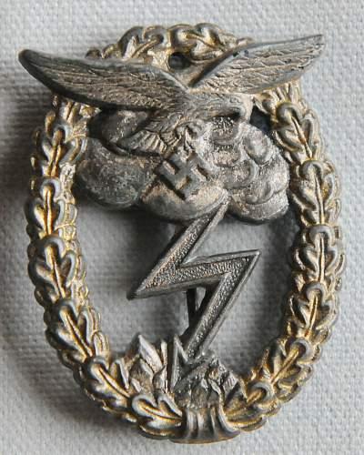 Click image for larger version.  Name:Luftwaffe Ground-Attack Badge front (Erdkampfabzeichen der Luftwaffe).jpg Views:26 Size:223.6 KB ID:941610