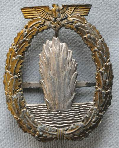Click image for larger version.  Name:1 Minesweeper War Badge front.jpg Views:49 Size:225.5 KB ID:944397