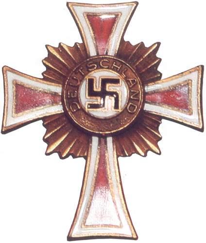 The American variant of Ehrenkreuz der Deutschen Mutter - AV / German American Bund / Amerikadeutscher Volksbund