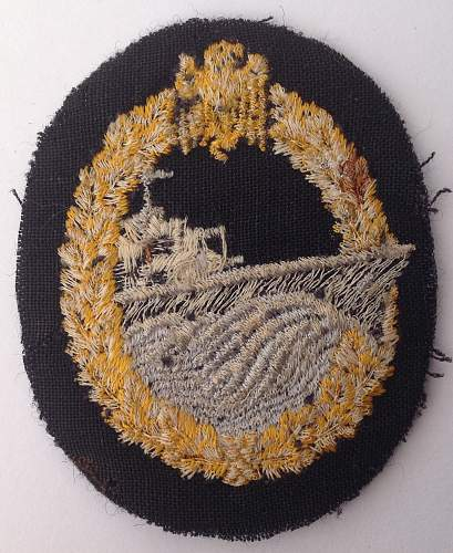 Click image for larger version.  Name:Destroyer badge in cloth reverse.jpg Views:25 Size:229.2 KB ID:947681