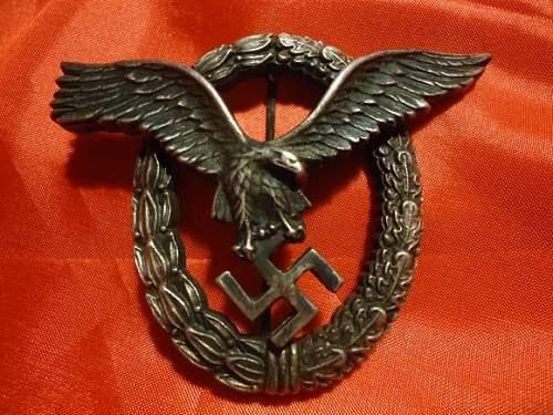 Click image for larger version.  Name:German pilot badge WW2.jpg Views:45 Size:46.2 KB ID:951803