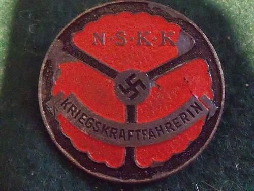 NSKK Kriegskraftfahrerin Badge ok?