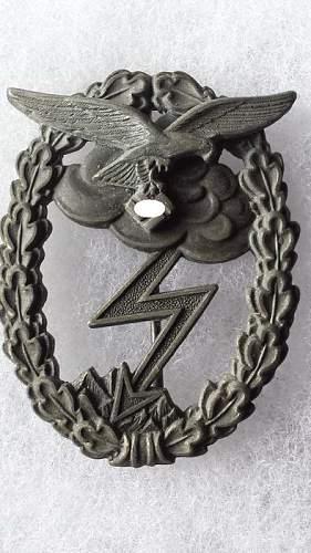 Erdkampfabzeichen der luftwaffe marked G.B.
