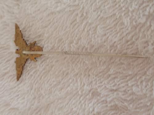 Click image for larger version.  Name:Stickpin  Eagle- Swords 1_2.jpg Views:43 Size:93.4 KB ID:963891