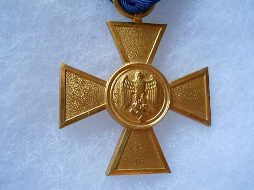 Dienstauszeichen der Wehrmacht 1. Klasse.25Jahre ,another one for review