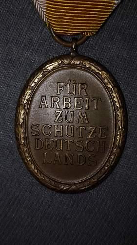 Schutzwall Ehrenzeichen arrived today