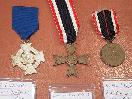 Click image for larger version.  Name:German WW2 Medals Back Close Up.jpg Views:15 Size:231.0 KB ID:970470