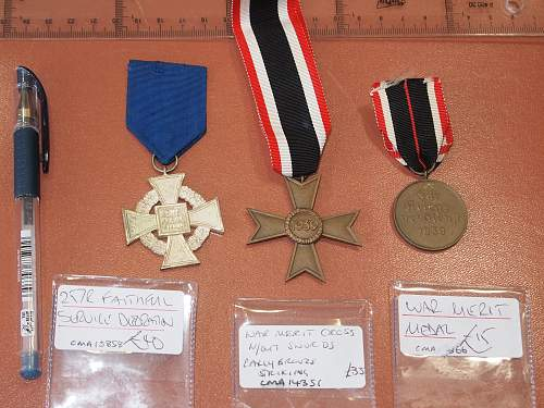 Please evaluate authenticity of medals.