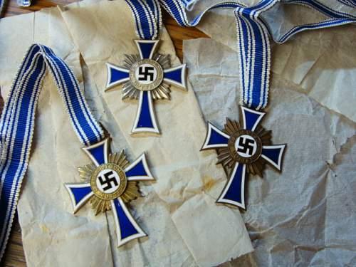 Deschler hoard Mutterkreuz.....