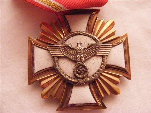 Click image for larger version.  Name:medals 002.jpg Views:472 Size:53.2 KB ID:9769
