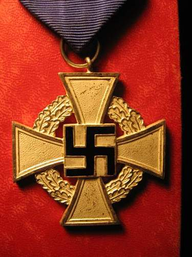 """U-Boat Bade Marked """"53"""" and 25 Year Faithful Service Cross: Authentic Pieces?"""