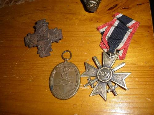 I won the badges/tinnie, KvK and Westwall medal