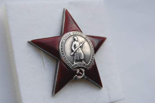 Click image for larger version.  Name:061 red star.JPG Views:83 Size:87.9 KB ID:171090