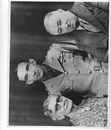 Click image for larger version.  Name:stan clegg and family photo.JPG Views:70 Size:118.2 KB ID:4981