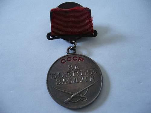 Click image for larger version.  Name:Médaille de la valeur 1.JPG Views:65 Size:90.5 KB ID:53547