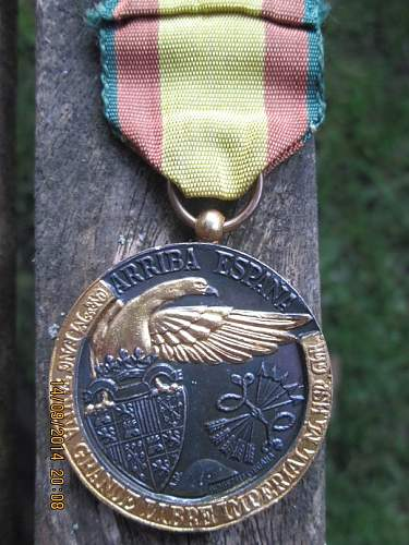 new pick up ...condor medails ...italianan medal ...polizei spange ...