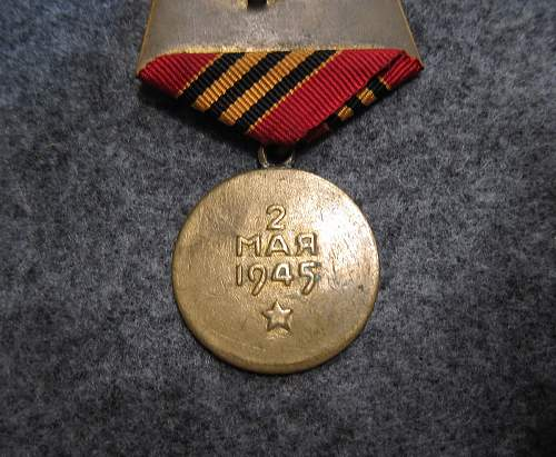 Click image for larger version.  Name:berlin_medal_3.jpg Views:47 Size:258.0 KB ID:808124