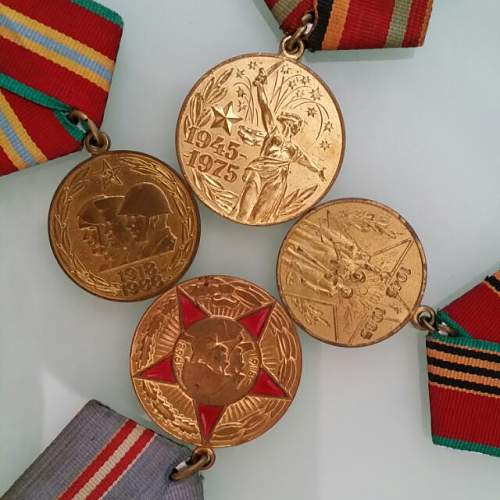 Click image for larger version.  Name:ussr_russia_cccp_medals_1422354187_5a687029.jpg Views:126 Size:55.7 KB ID:868649