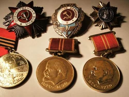 Click image for larger version.  Name:71171963_6-Medalha-Militar-Order-of-the-Patriotic-War-2cl-URSS-WW2-1945-Portugal.jpg Views:322 Size:52.4 KB ID:90962